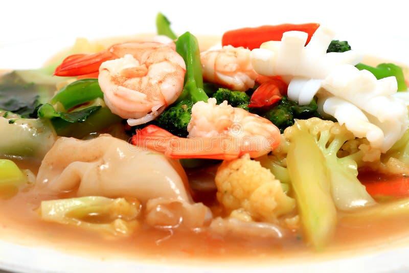 Thaise stijlnoedels met groenten royalty-vrije stock afbeeldingen