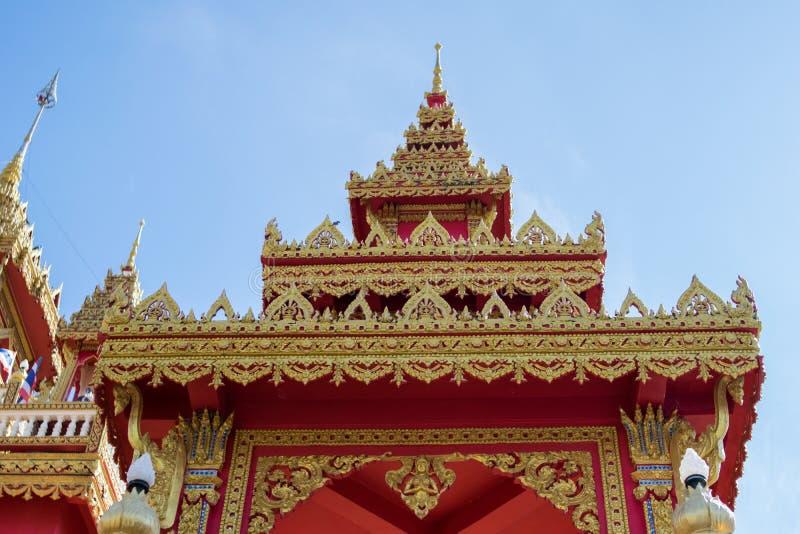 Thaise tempel van de TEMPEL van WAT PHRATHAT RUENG RONG in Sisaket, Thailand stock foto's