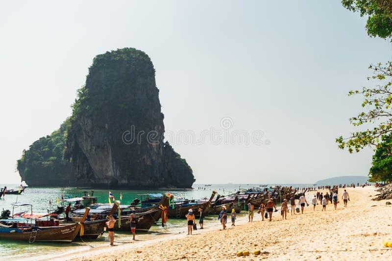 Thaise traditionele boten op Railay-Strand, Thailand royalty-vrije stock fotografie