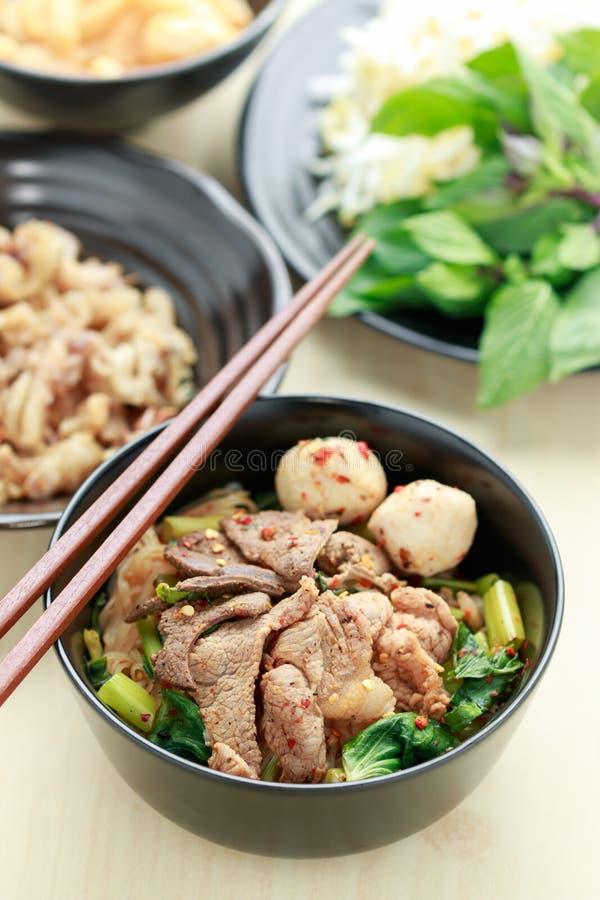 Thaise varkensvleesnoedel royalty-vrije stock afbeelding