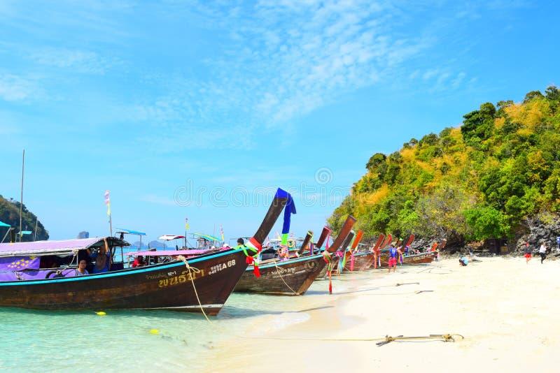 Thale Waek отделило море на Krabi, Таиланде стоковые фото