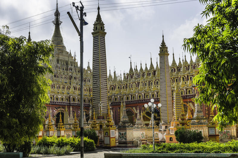 Thambuddhei Paya - Monywa - Myanmar stockbilder
