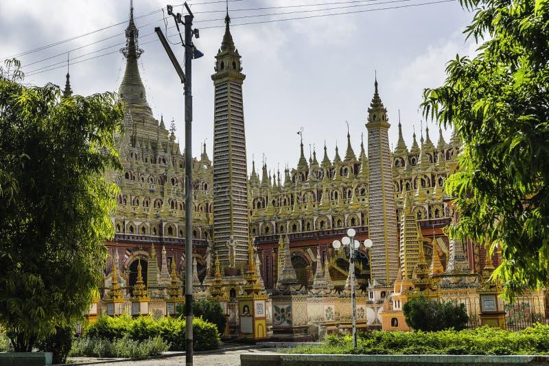 Thambuddhei Paya - Monywa - Myanmar (Burma). The Buddhist temple complex of Mohnyin Thambuddhei Paya (Thanboddhay) in Monywa in Myanmar (Burma). Dates from 1303 stock images
