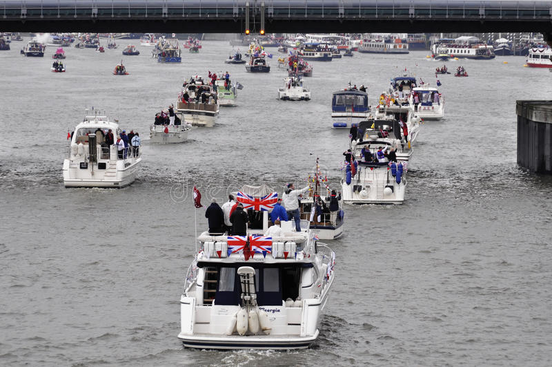 Download The Thames Diamond Jubilee Pageant Editorial Stock Image - Image: 25111999