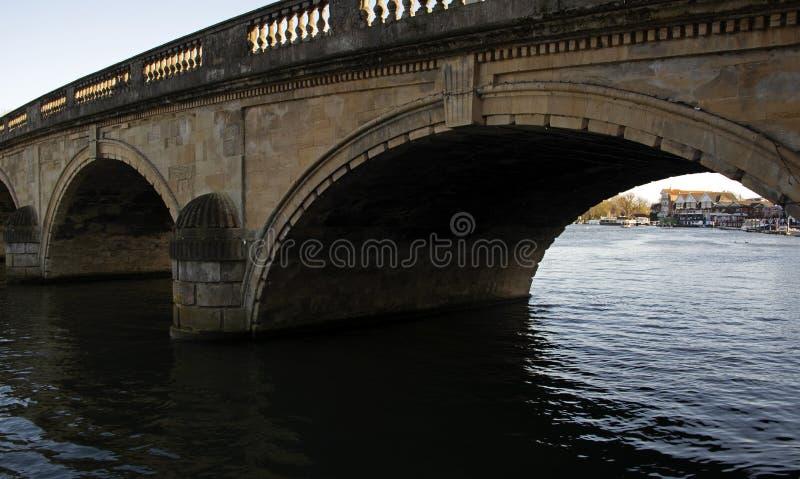 Thames most na Rzecznym Thames Oxfordshire zdjęcia royalty free