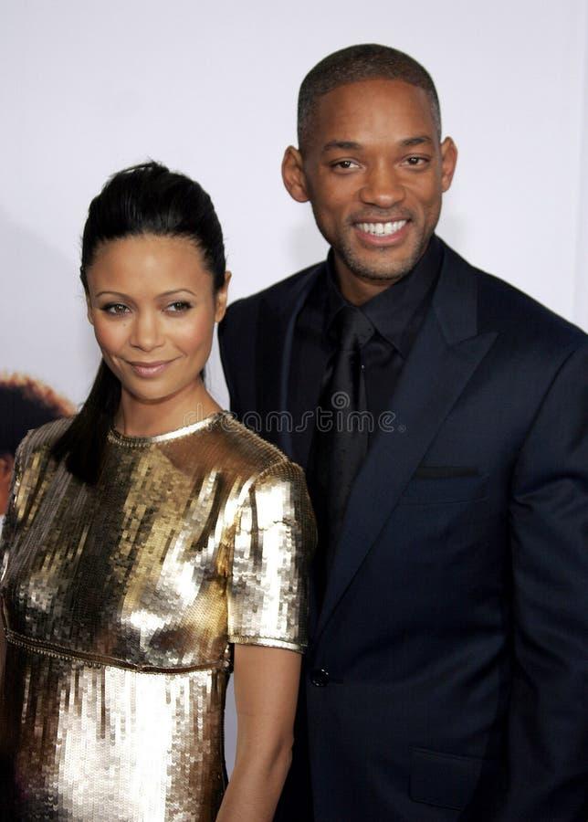 Thandie Newton en Will Smith stock afbeeldingen