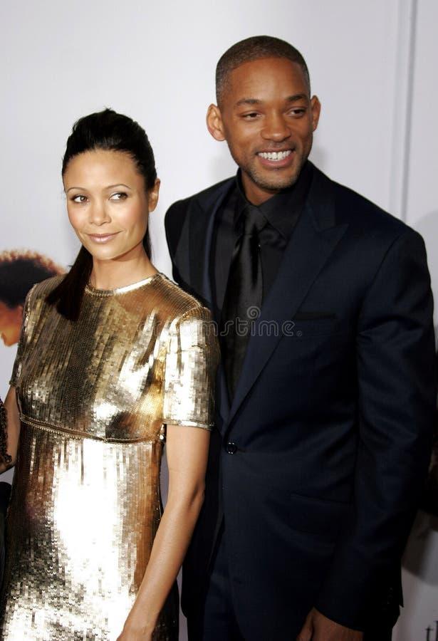 Thandie Newton et Will Smith photographie stock