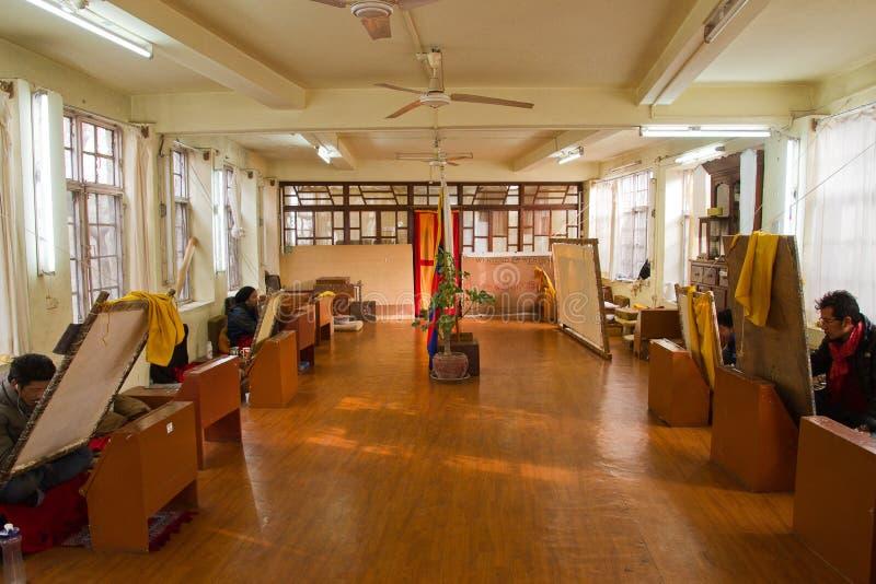 Thangka het schilderen, Norbulingka Institute van Tibetaanse Kunsten, Dharams stock afbeeldingen