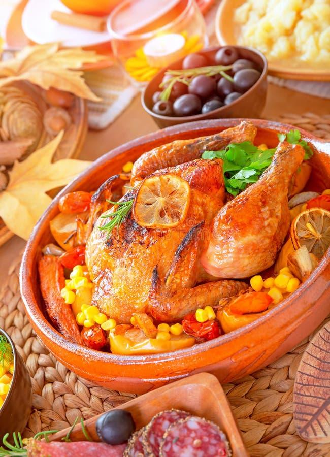 Thanksgiving rôti par four Turquie photo stock