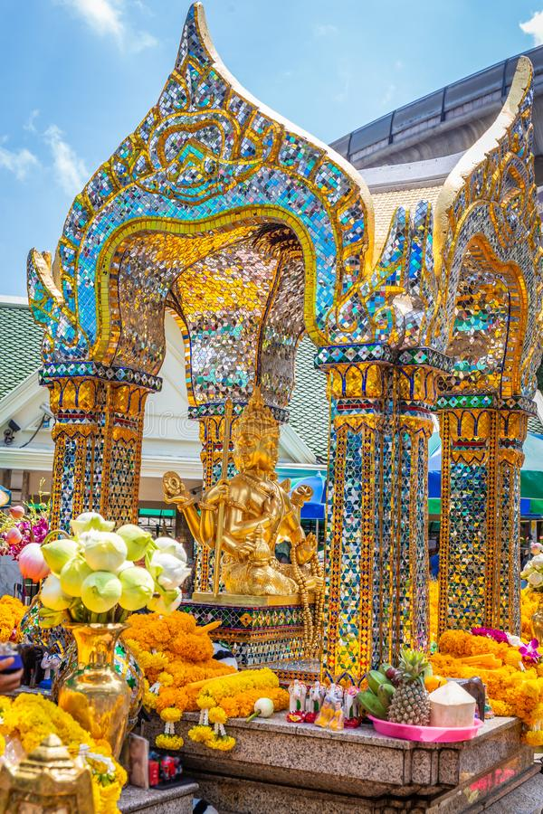 Thao Maha Brahma ή σημαντικό και δημοφιλές θέσεις ή ορόσημο των λαρνάκων Erawan στη Μπανγκόκ στοκ εικόνες