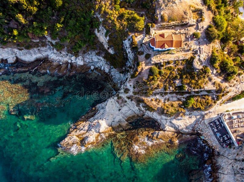 Thasos wyspy Dwa apostołowie Kościelni na clifs blisko Limenas stolicy wyspa zdjęcie royalty free