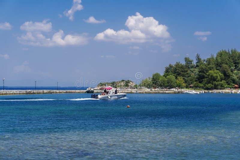 Thassos, boot van de KustwachtPatrol van Griekenland de Helleense bij Griekse overzees royalty-vrije stock fotografie