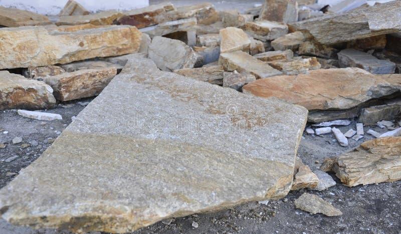 Thassos, Sierpień 23th: Dachowy budowa łupek w Theologos wiosce od Thassos wyspy w Grecja zdjęcie royalty free