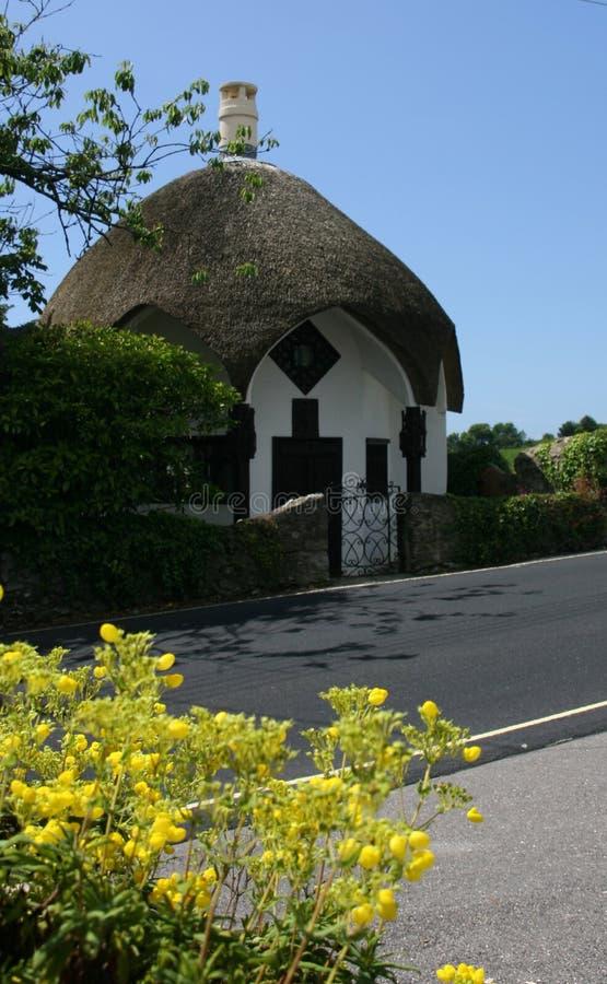 Thatched stuga i Lyme Regis arkivfoto