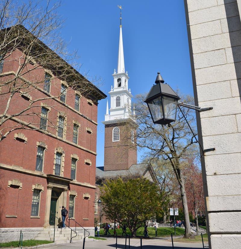 Thayer Hall и мемориальная церковь стоковое фото