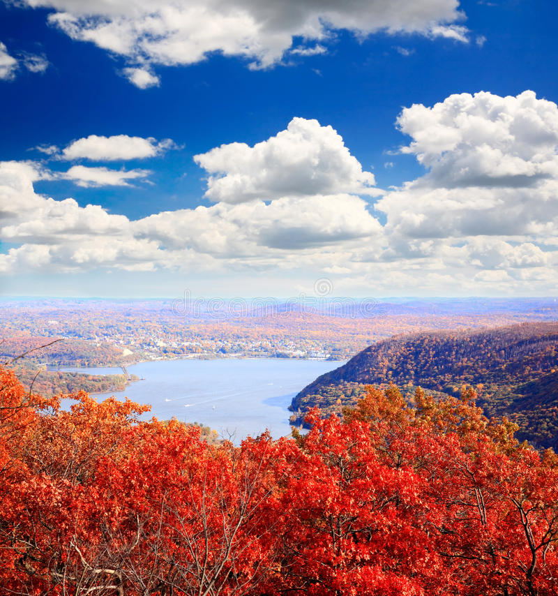 Free The Foliage Scenery From The Top Of Bear Mountain Royalty Free Stock Photography - 11645957