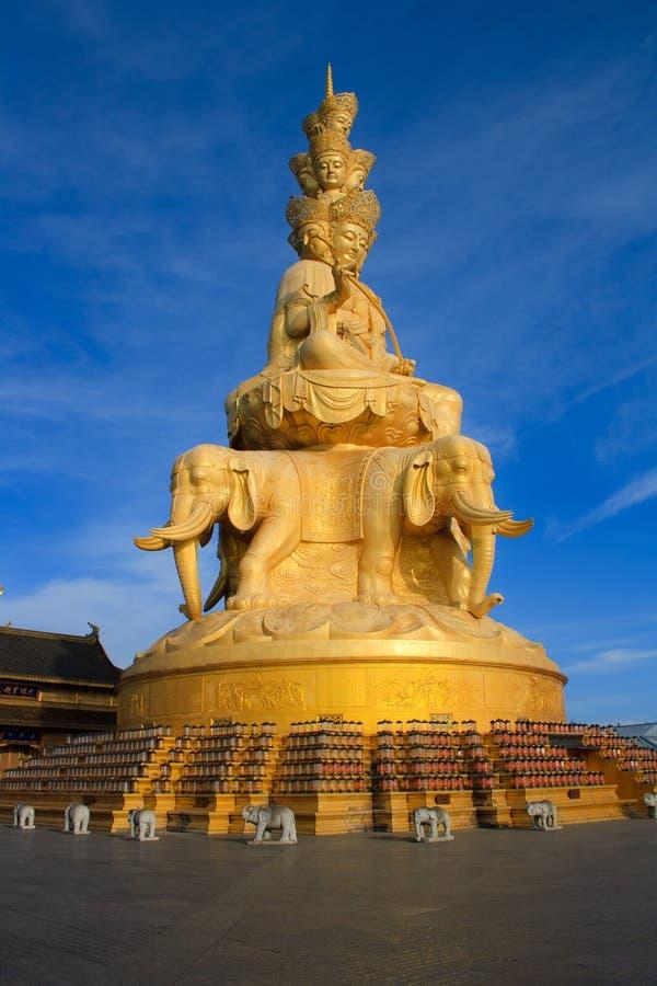 Free The Golden Buddha Of Emeishan Peak. Stock Photo - 31746320