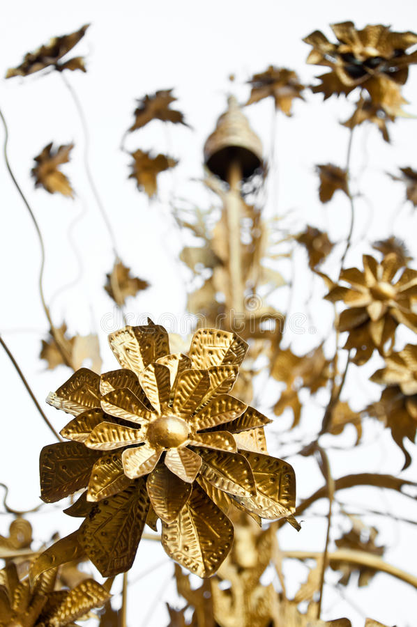 Free The Golden Metal Flower Royalty Free Stock Photography - 29981567