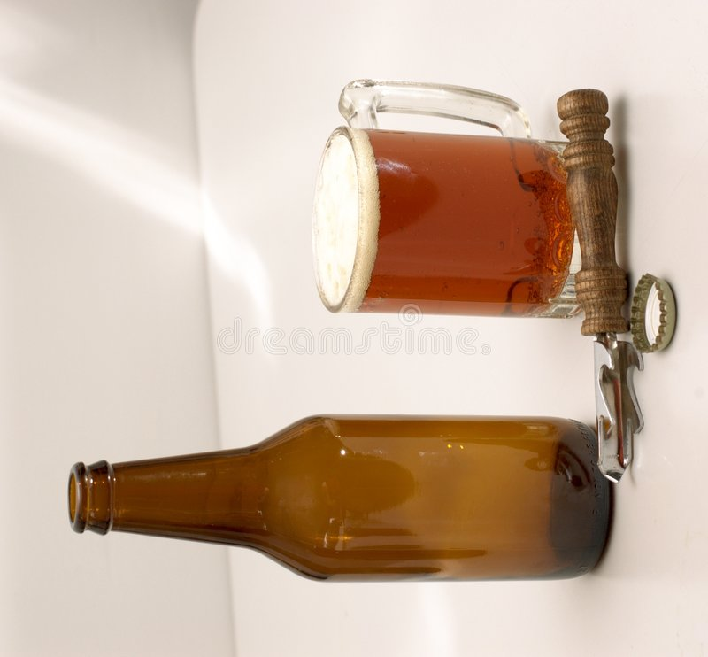 Free The Implements Of Beer Drinking Royalty Free Stock Photography - 223447