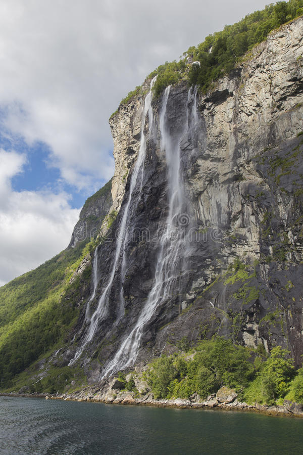 Free The Seven Sisters Waterfall Stock Images - 42359804