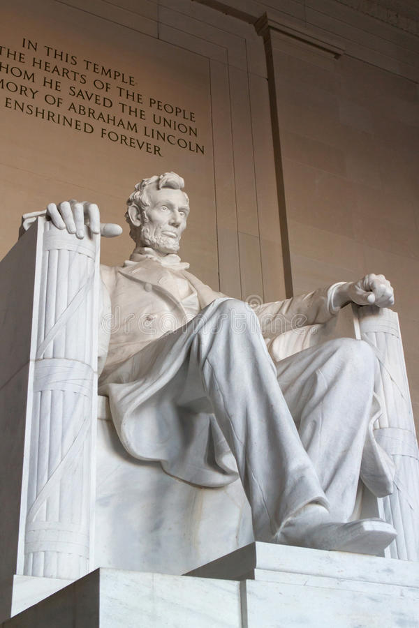 Free The Statue Of Abraham Lincoln Royalty Free Stock Image - 54310736
