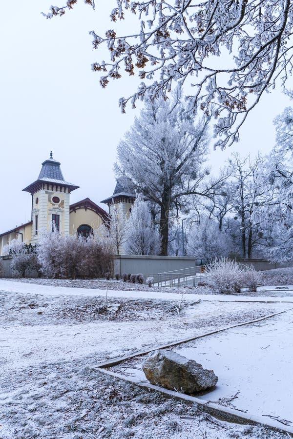 Theater-Arena nahe Park traurige Janka Krala, Winterstimmung, Bratislava stockfotografie