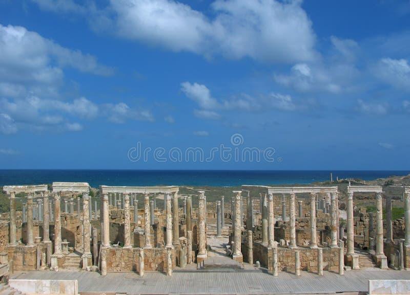 Theater im Leptis Magna stockbilder