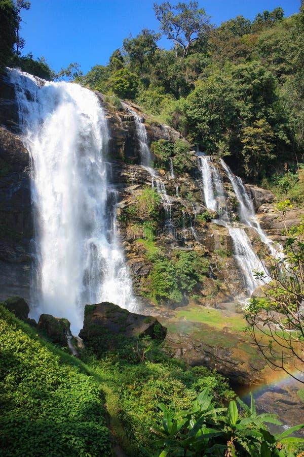 Thee Lor Su vattenfall, den största och högsta vattenfallet i Thailand royaltyfria bilder