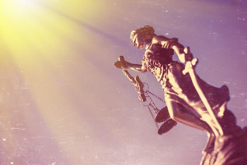 Themis-Skulptur, femida oder Gerechtigkeitsgöttin an lizenzfreie stockfotografie