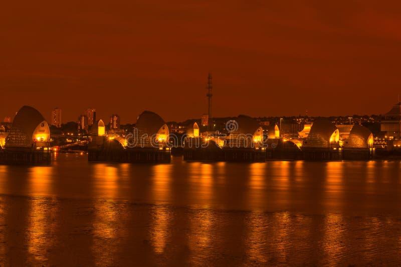 Themse-Sperrwerk, London Großbritannien - nachts stockfoto