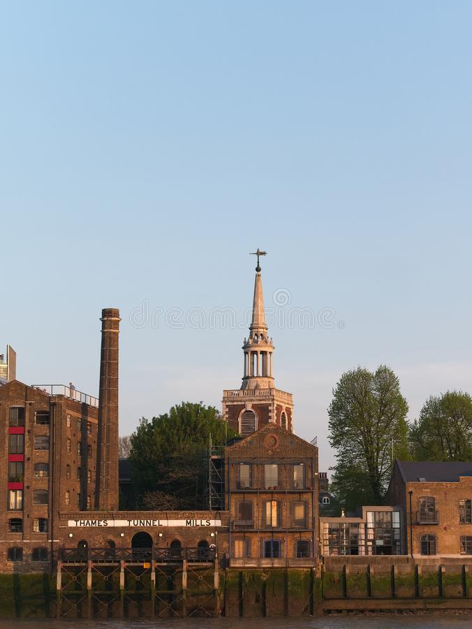 Themse-Tunnel-Mühlen in London, Großbritannien lizenzfreie stockfotos