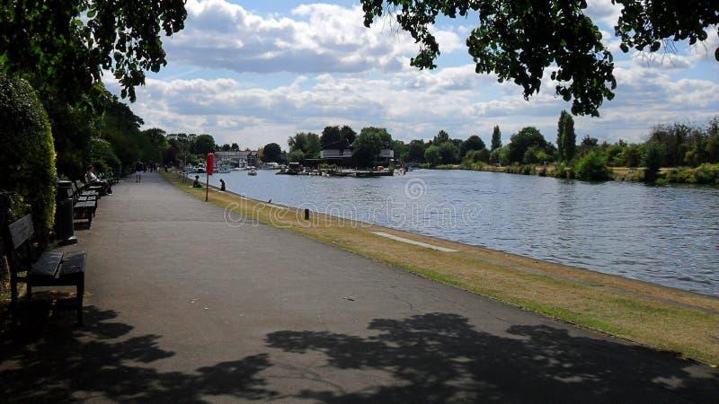 Themsenflodstrand på Kingston arkivbild