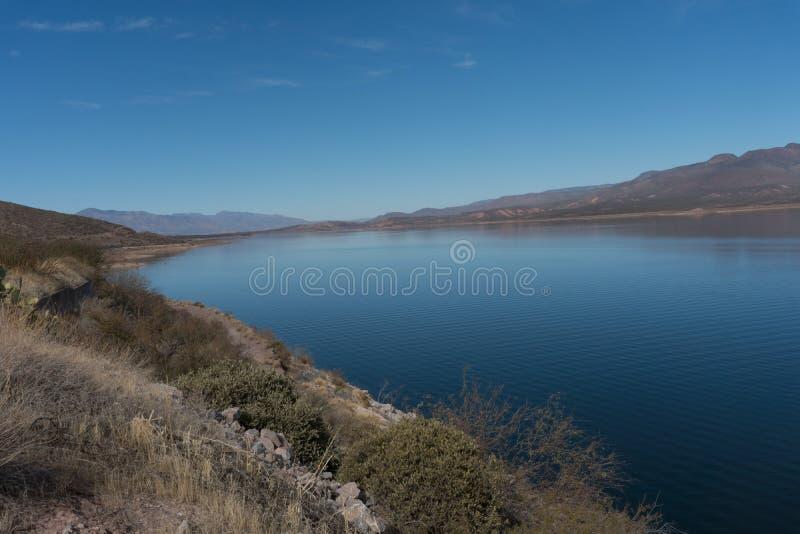 Theodore Roosevelt湖在南亚利桑那 库存图片