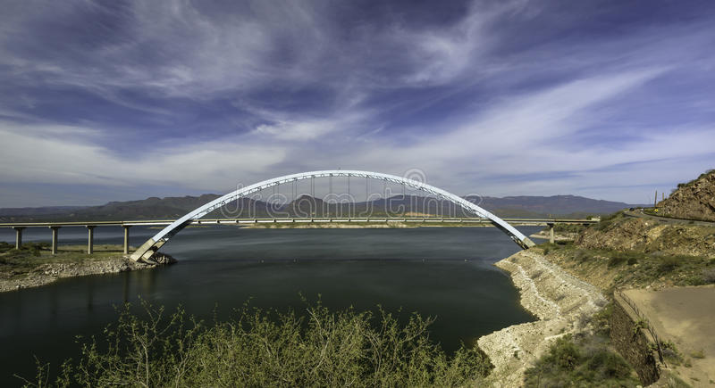 Theodore Roosevelt Lake Bridge stock fotografie