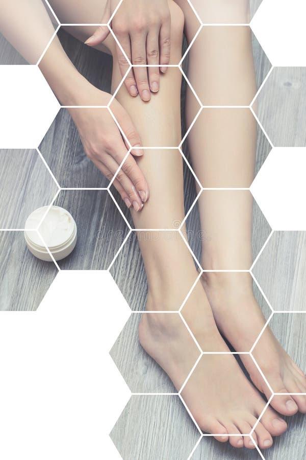 Thera de menina feminino da hidratação do problema da cosmetologia da dermatologia imagem de stock royalty free