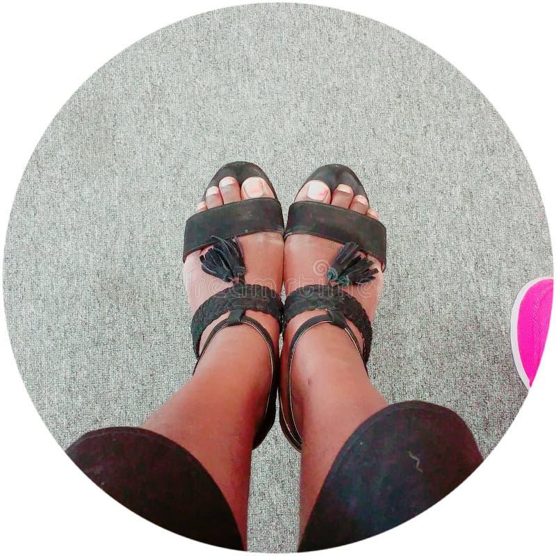 There& x27; s niemand ist mit uns ausgenommen unsere Schuhe lizenzfreie stockfotografie