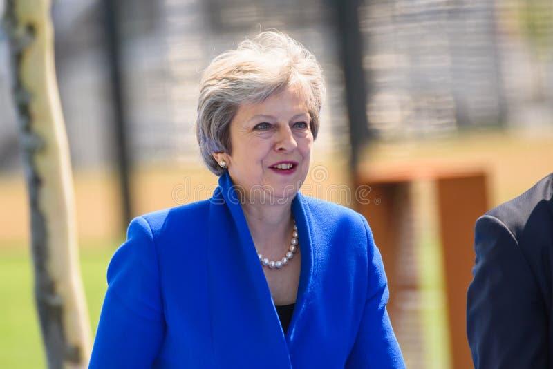 Theresa May, durante la SOMMITÀ di NATO 2018 fotografia stock