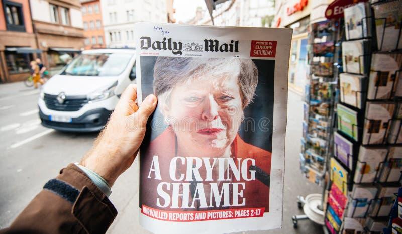 Theresa May que llora la dimisi?n de Daily Mail imagen de archivo libre de regalías