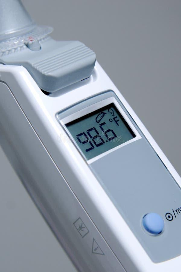 Thermometer, der Normal zeigt stockfotos