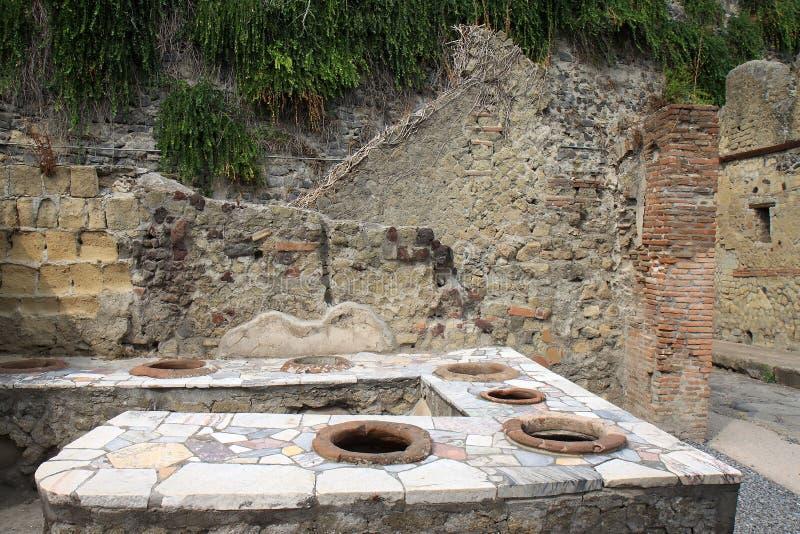 Thermopolium i Roman Herculaneum, Italien arkivfoton