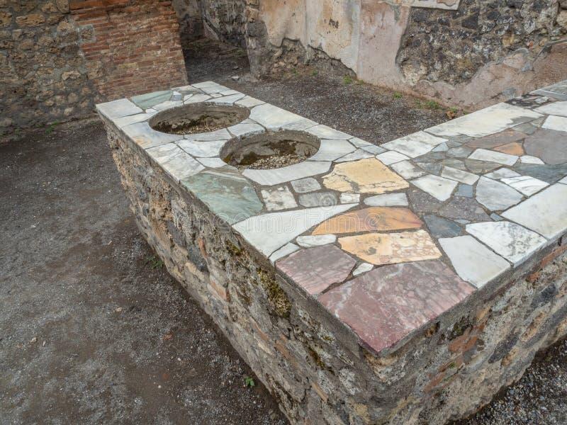 Thermopolium romain à Pompeii, Italie Liste de patrimoine mondial photo libre de droits