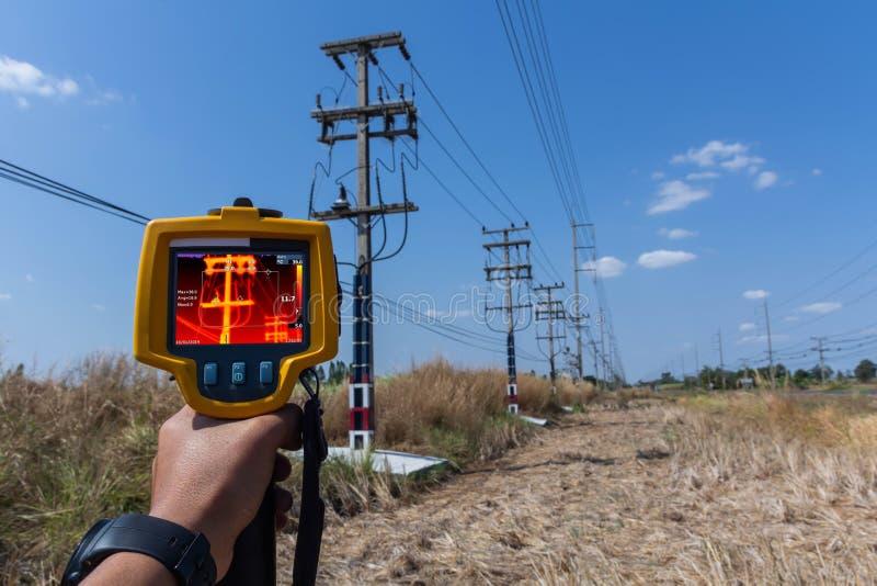 Thermoscanthermal wizerunku kamera, Przemysłowy wyposażenie używać dla sprawdzać wewnętrzną temperaturę maszyna dla prewencyjnego zdjęcie stock