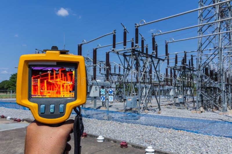 Thermoscanthermal wizerunku kamera, Przemysłowy wyposażenie używać dla sprawdzać wewnętrzną temperaturę maszyna dla prewencyjnego obraz royalty free