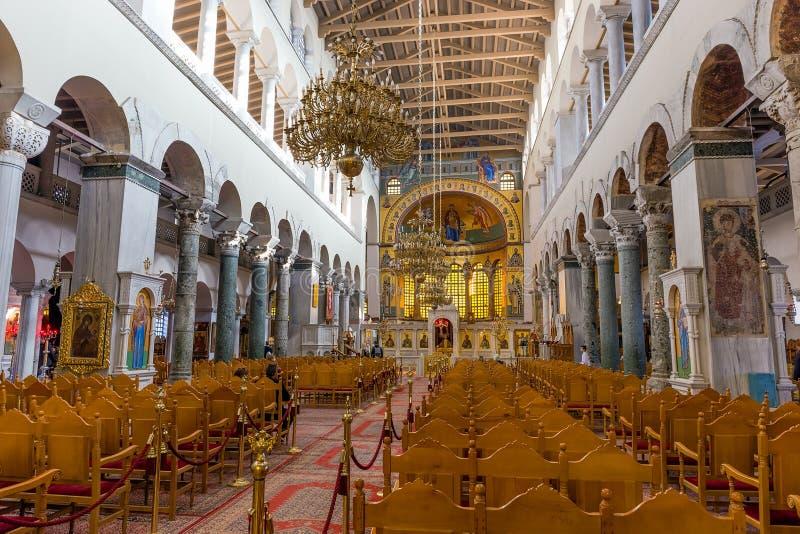 THESSALONIKI, GRIEKENLAND - DECEMBER 29: Binnenland van de Basiliek van Hagios Demetrios op 29 December, 2015 in Thessaloniki, Gr stock fotografie