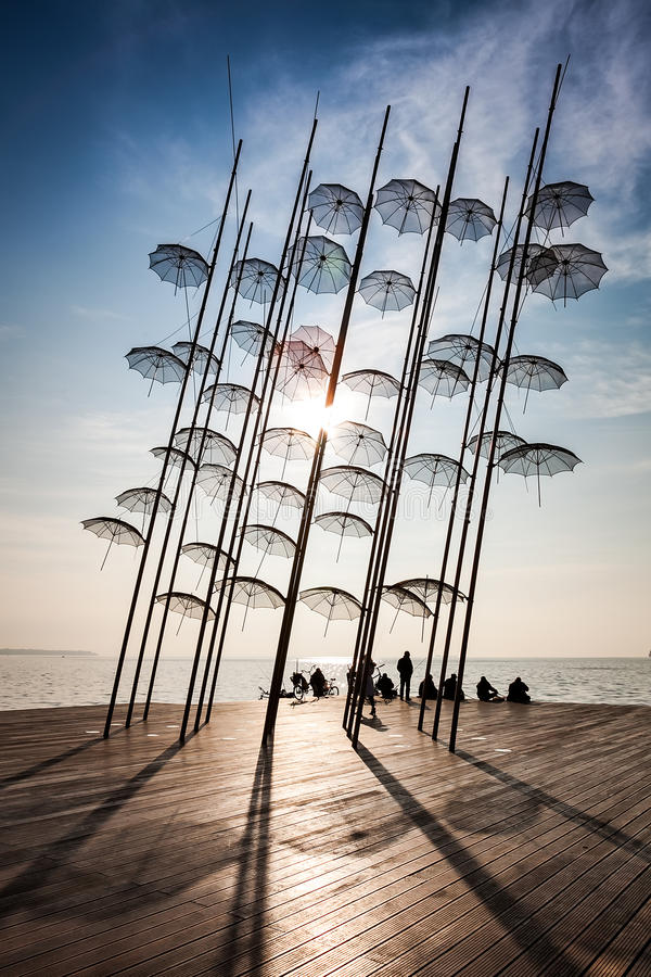 Thessaloniki paraplu'sbeeldhouwwerk stock fotografie