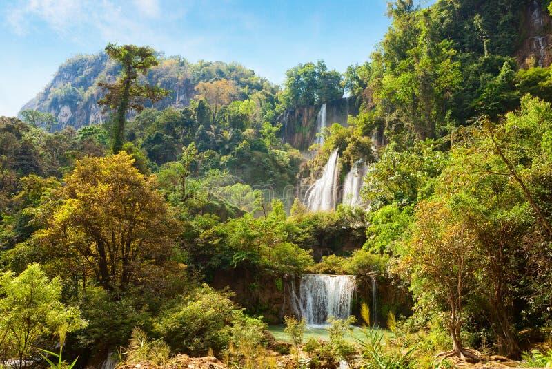 Thi Lo Su vattenfall, Umphang område, Tak Province i nordvästliga Thailand royaltyfri fotografi