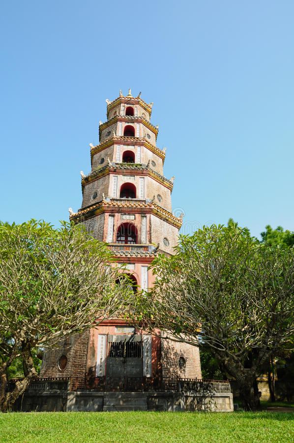 Download Thien Mu Pagoda In Hue Royalty Free Stock Images - Image: 16856729