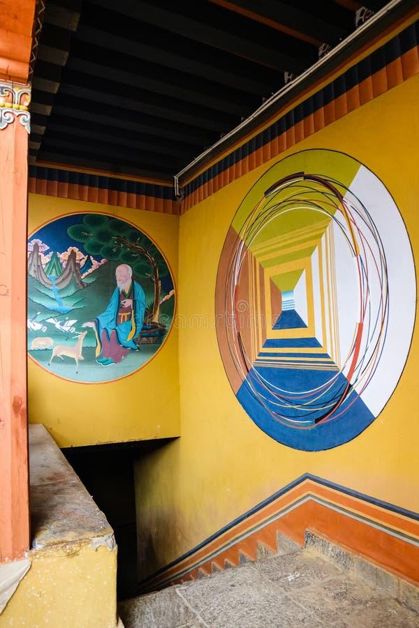Thimphu, Bhutan - September 15, 2016: Het beroemde schilderen wijzend op de manier aan Nirvana Simtokha Dzong, Thimphu royalty-vrije stock fotografie