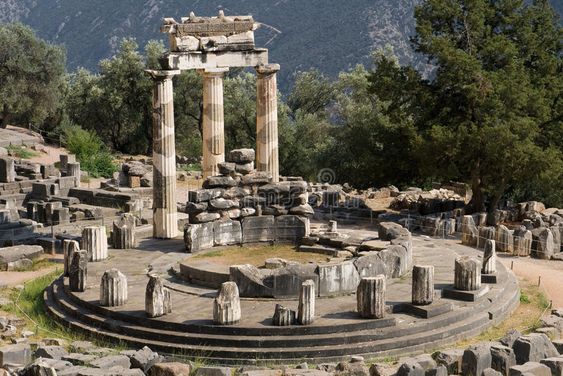 Tholos van Delphi stock foto's