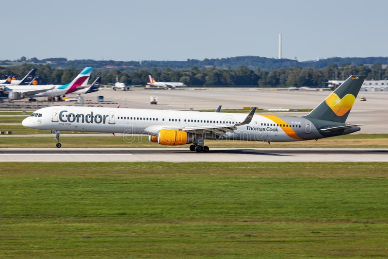 Thomas Cook Condor Airlines Boeing 757-300 D-ABOK Passagiercharterflugzeug Ankunft und Landung am Flughafen München stockfoto